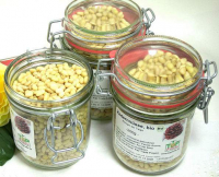 Bio Zedernnusskerne (Zedernnüsse), natur, Wildwuchs, Flores Farm