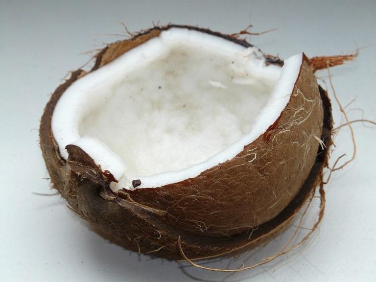Kokosnuss-ganz-offen