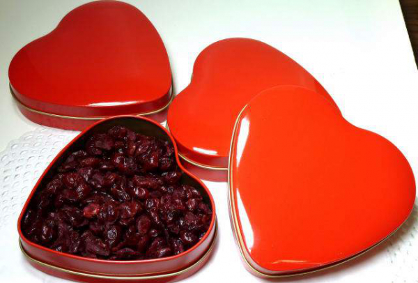 Cranberry-Herz, tolle Herzdose, gefüllt mit 150g Cranberries ohne Farb oder Konservierungsstoffe