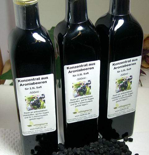 Aroniabeeren-Saftkonzentrat 100 % natur, 500 ml - ergibt ca. 2,5 bis 3Liter Aroniasaft - pure Gesundheit