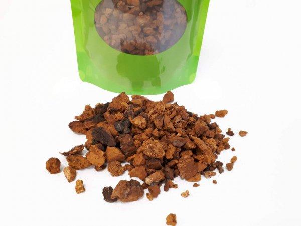 Chaga Pilz aus Sibirien, grober Chaga Pilz Schrot als Tee